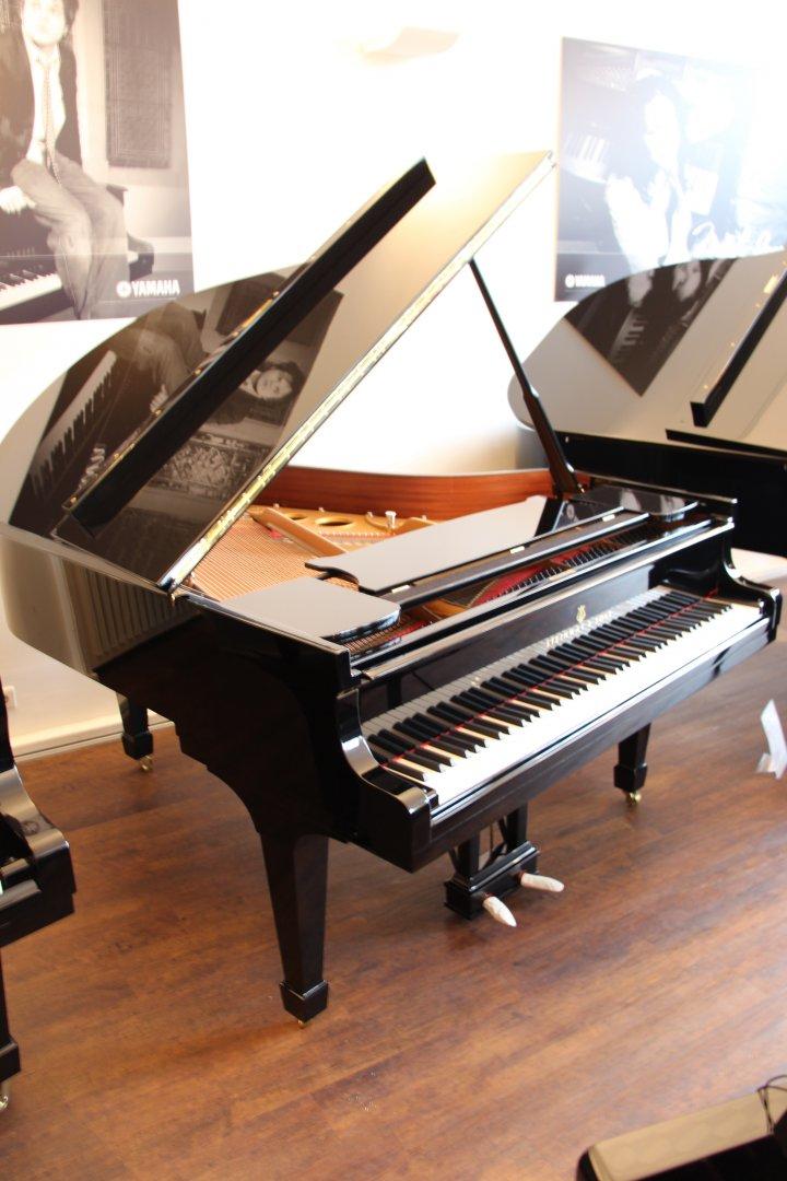 steinway sons fl gel o 180 schwarz poliert gebraucht von pianohaus truebger hamburg. Black Bedroom Furniture Sets. Home Design Ideas